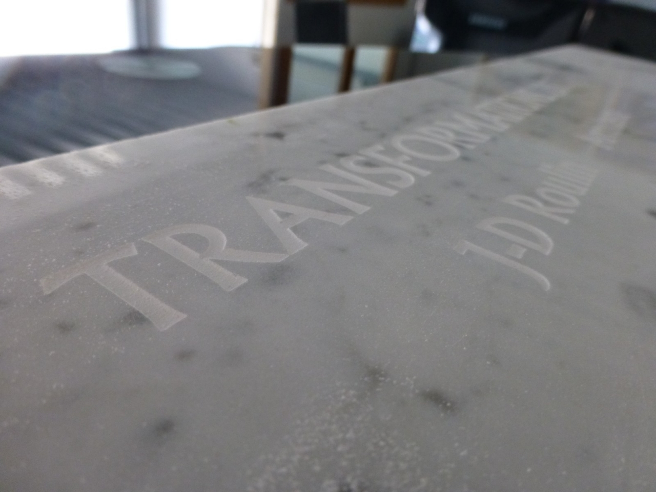 gravure CNC marbre